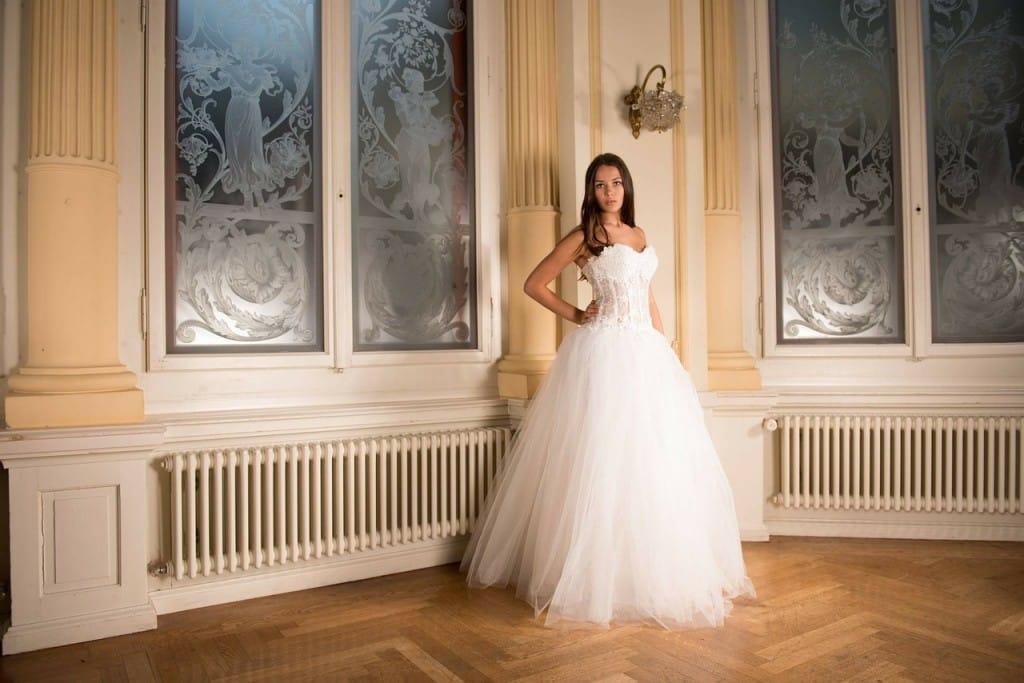 bride-301810_1280