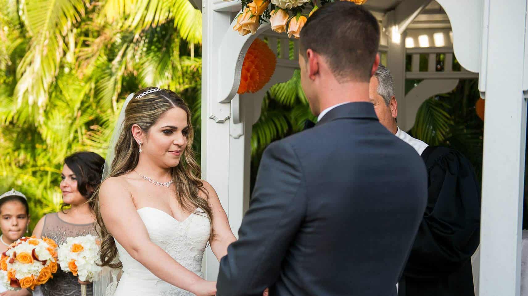 2-18-16-summer-events-wedding-closeup