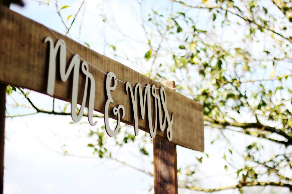 A celebratory Mr. and Mrs. wedding banner